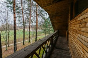 Skats no dvīņu mājas terases