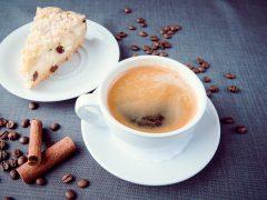 dienas našķis un kafija